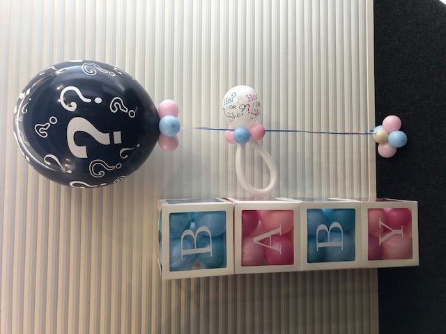 gender reveal decoratie