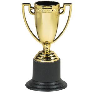 6 x gouden trofee ( plastic 10 cm )