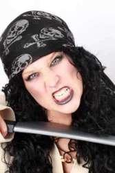 Piraten hoofddoek zwart met opdruk 70x70 cm