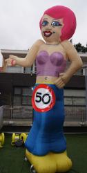 Sarah ''Dance'' Opblaasfiguur - 3,5m - VERHUUR